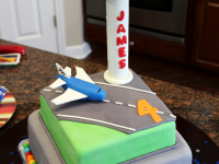 Airplane-and-Airport-Cake