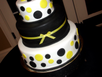 Yellow-and-Black-Polka-Dot-Wedding-Cake